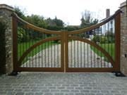 Balmoral wooden driveway gate
