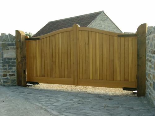 Driveway And Pedestrian Gates Henley Style In Oak Bg