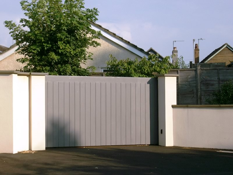 Single Slider Wooden Driveway Gate Henley H1 Bg Wooden