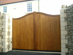 Henley iroko driveway and side gate