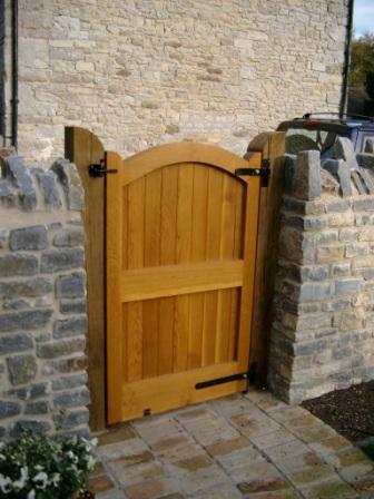 Henley side gate in oak