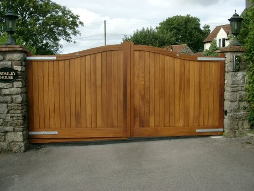 Iroko driveway stained gate- Henley H2A