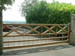 Windsor single wooden entrance gate